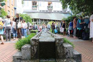 Brunnen beim Kleidertausch - BUND KV Stuttgart
